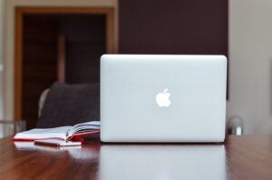 apple 1853259 640 300x198 - apple-1853259_640